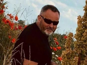 Konstruktív 54 éves társkereső profilképe