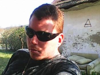 milán92 28 éves társkereső profilképe