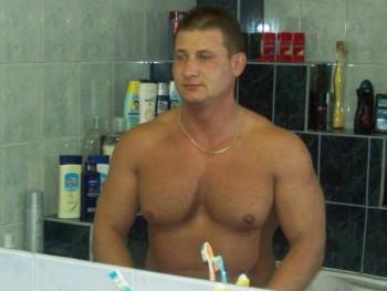 mega75 46 éves társkereső profilképe