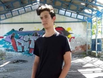 Adrián0707 18 éves társkereső profilképe