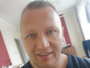 szeba 42 éves társkereső profilképe