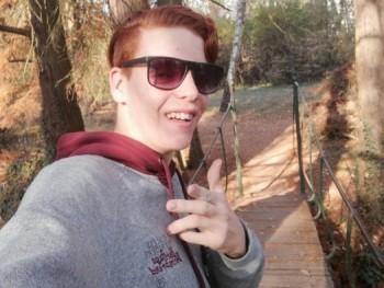 Attilan 20 éves társkereső profilképe