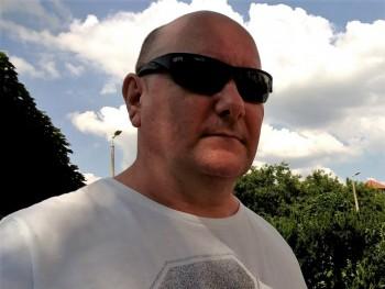 petya12345 48 éves társkereső profilképe