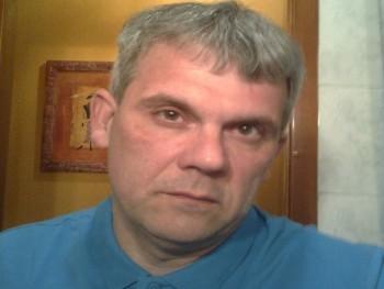 pinball 47 éves társkereső profilképe