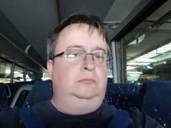 Tibi37 46 éves társkereső profilképe