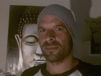 Laccccci 42 éves társkereső profilképe