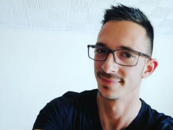 Ádám_02 26 éves társkereső profilképe