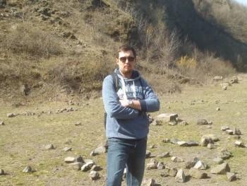 Attila88 32 éves társkereső profilképe