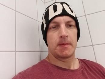Tihamer 34 éves társkereső profilképe