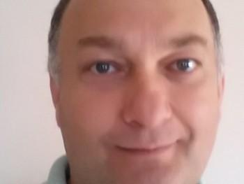 Aliba 50 éves társkereső profilképe