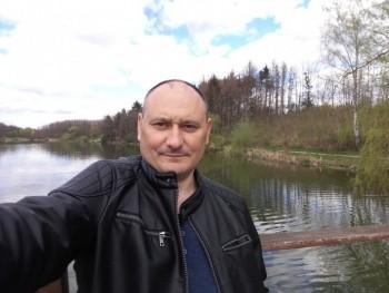 kovachl11 44 éves társkereső profilképe