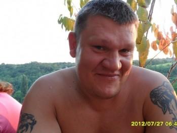 HEKTOR177 42 éves társkereső profilképe