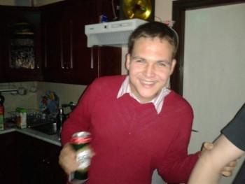 Zoli88 32 éves társkereső profilképe