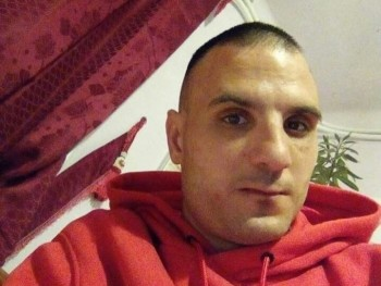 renatobalint 29 éves társkereső profilképe