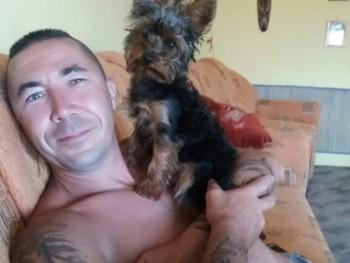 szarkapeti 42 éves társkereső profilképe