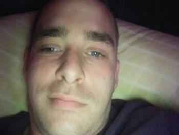 bubuka001 31 éves társkereső profilképe