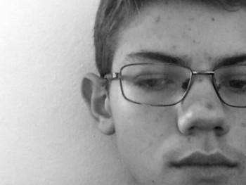 ptrk02 17 éves társkereső profilképe