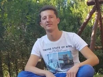 Csaba99 21 éves társkereső profilképe