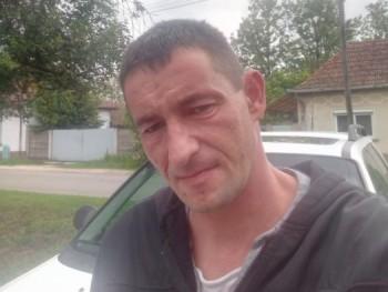 ötvös csöpi 39 éves társkereső profilképe