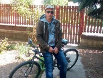 rexona 41 éves társkereső profilképe