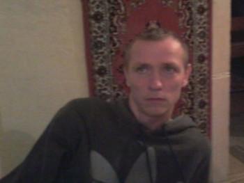 zoltán344 35 éves társkereső profilképe