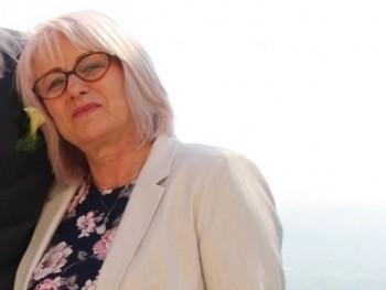 Babett 64 éves társkereső profilképe
