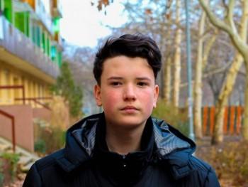 16 éves srác 18 éves társkereső csak csatlakozni akarok vele