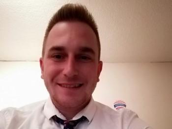Viktor0412 28 éves társkereső profilképe
