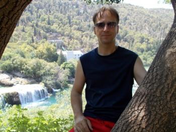 Zoltán Róbert 51 éves társkereső profilképe