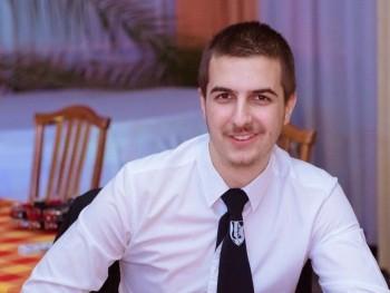Bálint98 22 éves társkereső profilképe