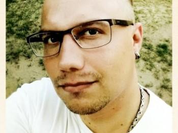 xero 31 éves társkereső profilképe