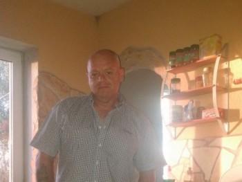 csanadu 52 éves társkereső profilképe