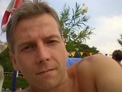 zoli19770929 - 43 éves társkereső fotója