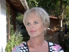 Melinda01 - 67 éves társkereső fotója