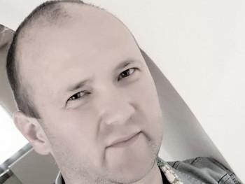 ombani 47 éves társkereső profilképe