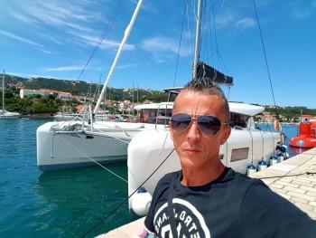 MikeyBoy 43 éves társkereső profilképe