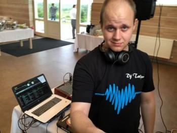 DJ Taylor 25 éves társkereső profilképe