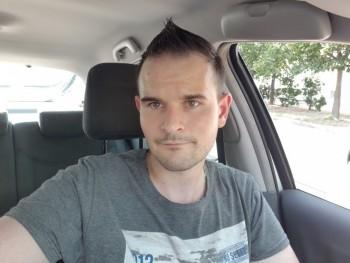Andos28 29 éves társkereső profilképe