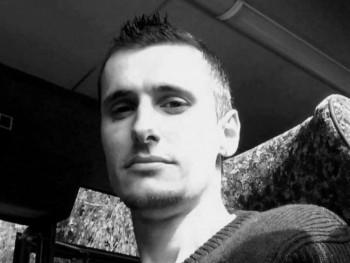 felhotlen33 39 éves társkereső profilképe