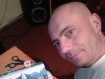 Holi Laci 42 éves társkereső profilképe