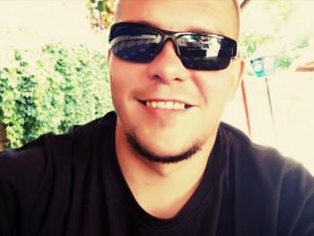 Speni 32 éves társkereső profilképe