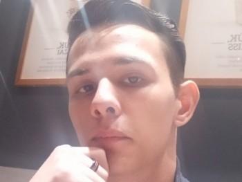 SztrikGabi 17 éves társkereső profilképe