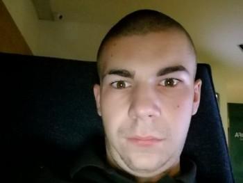 Davidoff19 19 éves társkereső profilképe