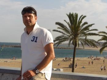 Bano 54 éves társkereső profilképe