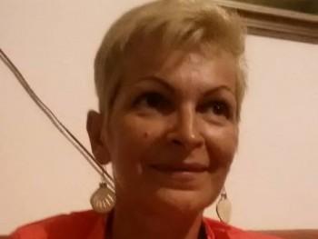 Perka 55 éves társkereső profilképe