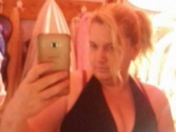 eleonora 45 éves társkereső profilképe
