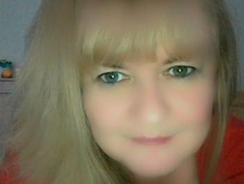 iry777 51 éves társkereső profilképe
