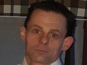 Gábor László 39 éves társkereső profilképe