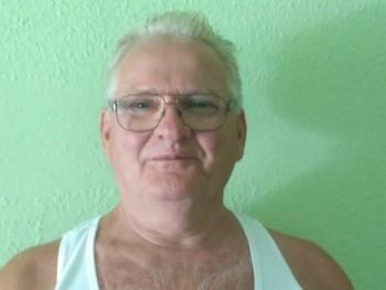 piros szőlő 69 éves társkereső profilképe