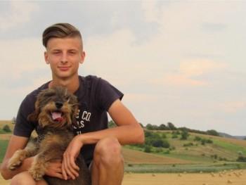 Redbull145 17 éves társkereső profilképe